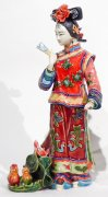 Ceramic figurine Ancient Chinese concubine lady with Ducks