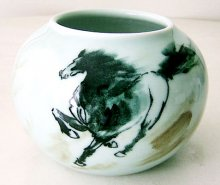 Vintage Old 2002 Horse Porcelain Vase/Pot Underglaze Black Jingdezhen China