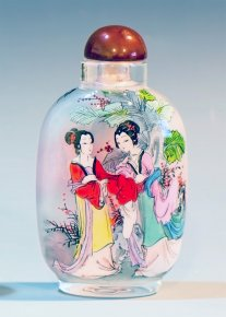 Dynasty Concubine Ladies Fairy Tales - Inside Painted Snuff Bott